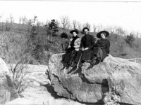 3-people-on-rocks-by-rdwd-flls